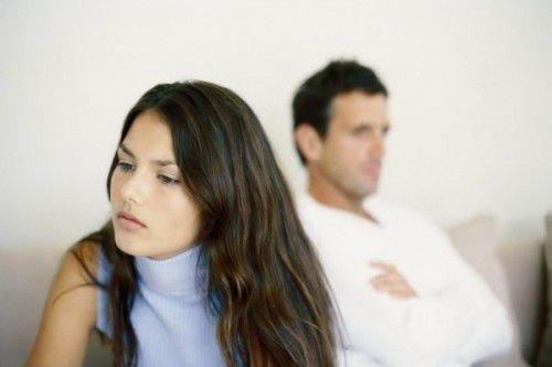 Как снять приворот с мужа или сына в домашних условиях