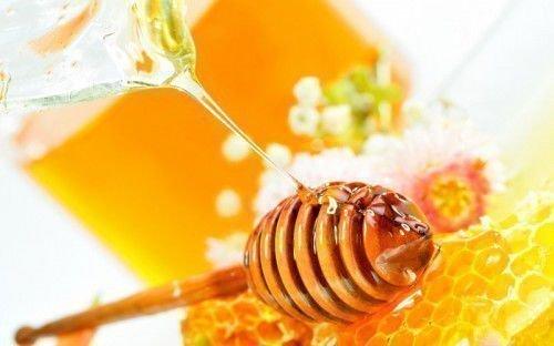 Как сделать заговор на мёд: на удачную торговлю и деньги