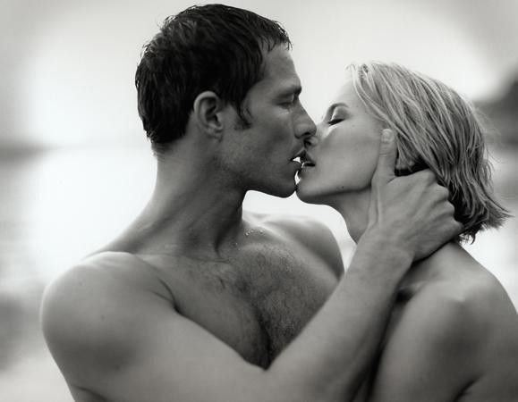 Скс фото у мужчины и женщины в постели фото смотреть онлайн фотоография