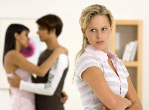 Как сделать отворот мужа от жены: признаки и последствия