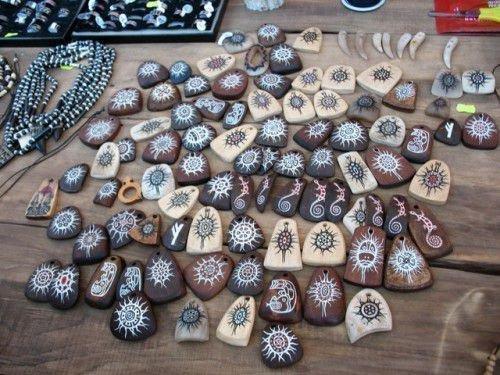 Деревянные амулеты