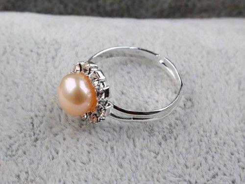 Кольцо-оберег с жемчугом