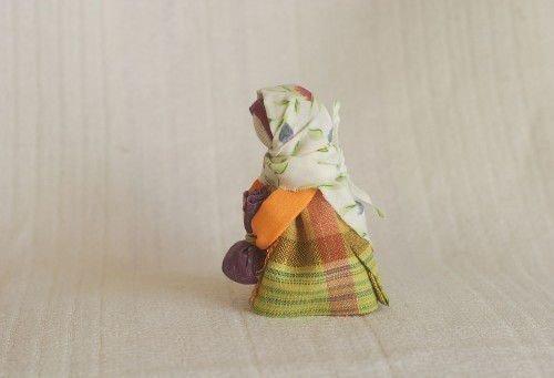 Оберег в дорогу для родных: кукла путница, молитва