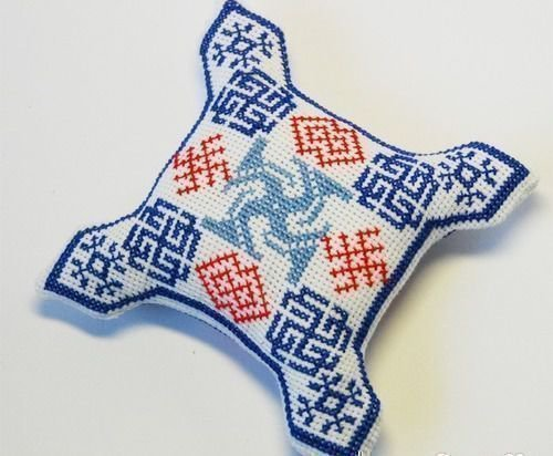 Ладинец вышивка на ткани