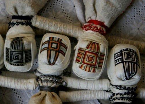 Кукла-мотанка сделать своими руками: из нитей, ткани