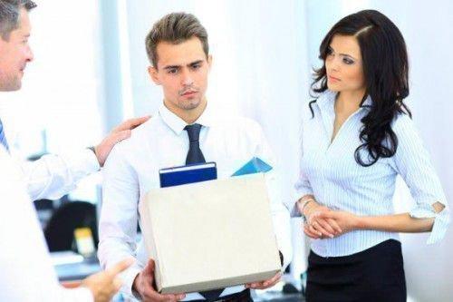Увольнение с работы: как защититься с помощью магии