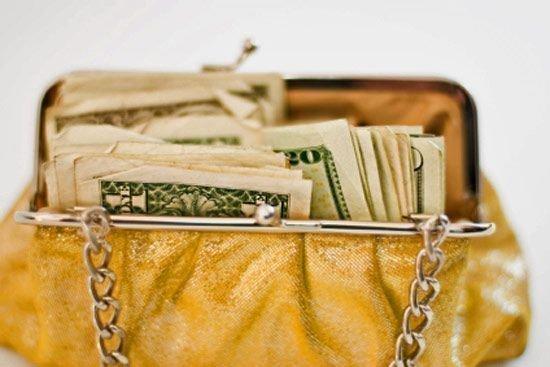 Заклинания черной магии для привлечения денег