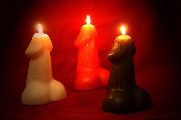 Свеча у девушки между ног фото 5 фотография