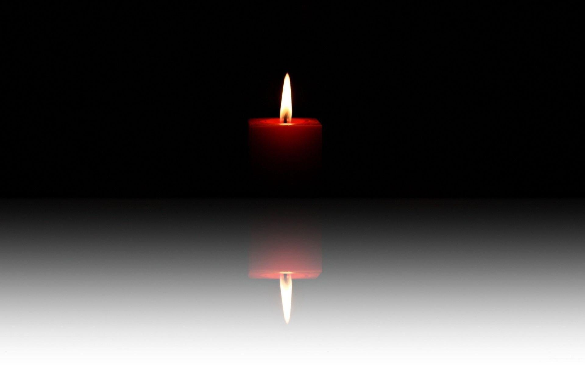 Свеча у девушки между ног фото 0 фотография