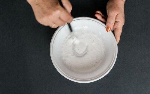 тарелка с жидкостью