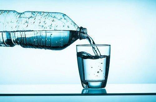 Заговор воды от порчи и сглаза: как снять сглаз святой водой