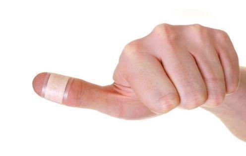 К чему порезать большой палец, что это значит
