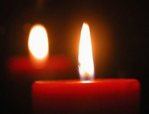 Красные свечи