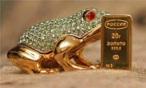 Лягушка из золота
