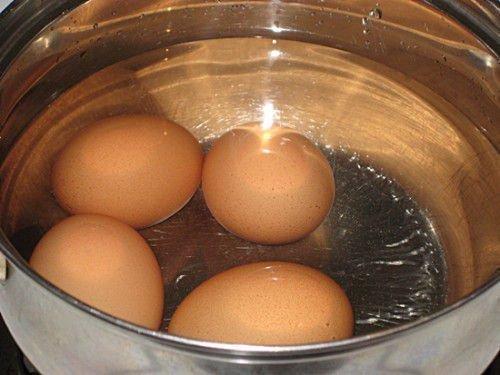 Заговор на курином яйце