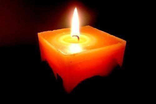 Горение свечи ночью