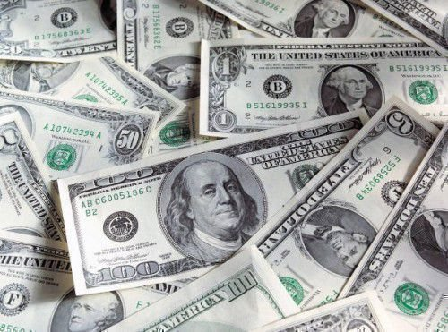 Как привлечь деньги с помощью черной магии