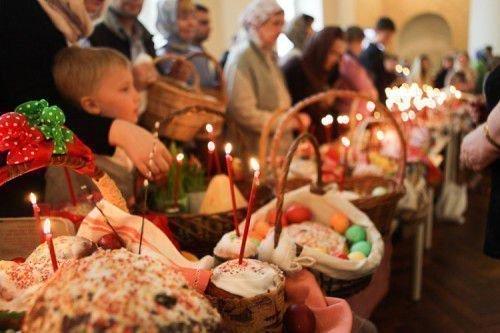 Зародилось большое количество обрядов проводимых во время или после Пасхи.