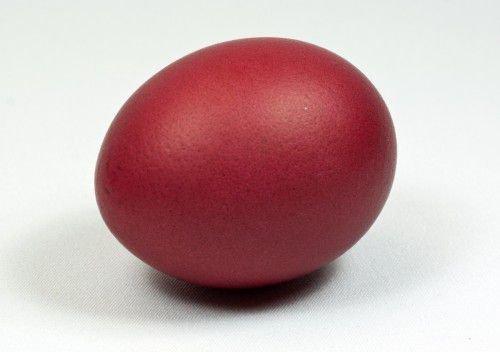 красное яйцо