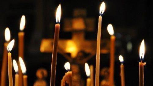 Для данного ритуала необходимо 3 церковных свечей.