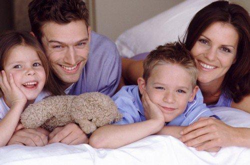 Наладить отношения в семье можно с помощью обычного заговора.