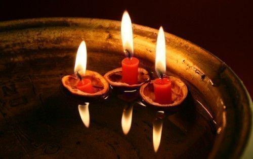 Свечи и вода